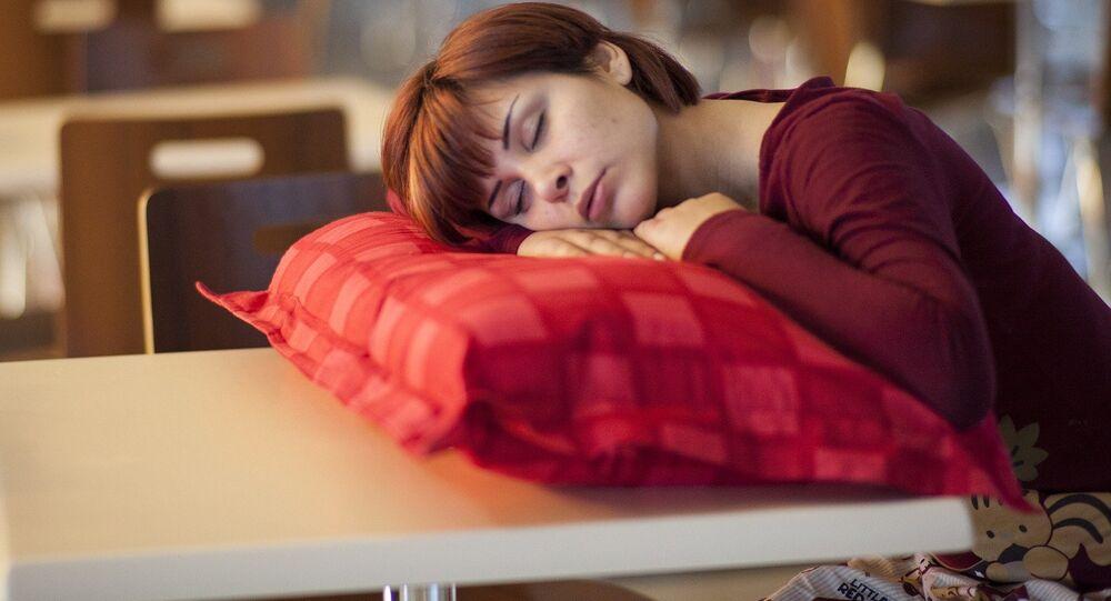 Une femme endormie