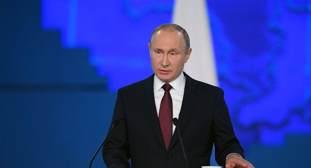 Vladimir Poutine prononce son adresse au parlement russe, le 20 février 2019