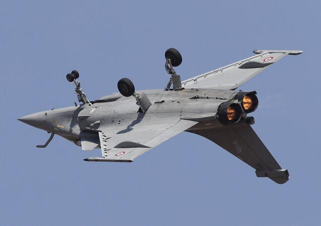 Un avion de chasse Rafale au spectacle aérien Aero India 2019
