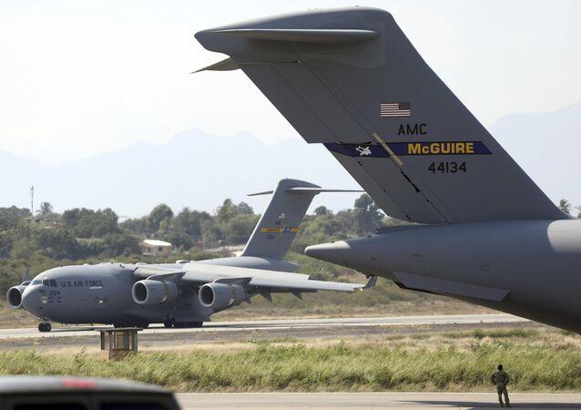 Avion militaire américain C-17