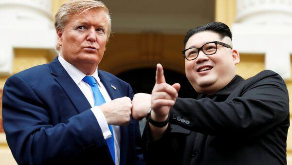 L'imitateur de Kim Jong-un, Howard X, et celui de Donald Trump, Russell White à Hanoï - Sputnik France
