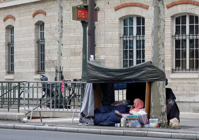 Une personne sans-abri à Paris (archive photo)