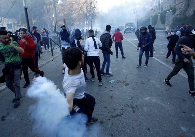 Des manifestations des opposants au 5e mandat de Bouteflika à Alger le 1er mars
