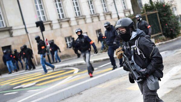 Un officier de la BAC. Image d'illustration - Sputnik France