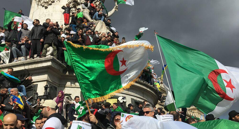Troisième manifestation de la communauté algérienne à Paris contre un 5e mandat de Bouteflika, le 10 mars 2019