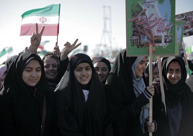 Des femmes iraniennes pendant les célébrations d'un anniversaire de la Révolution islamique à Ténéran