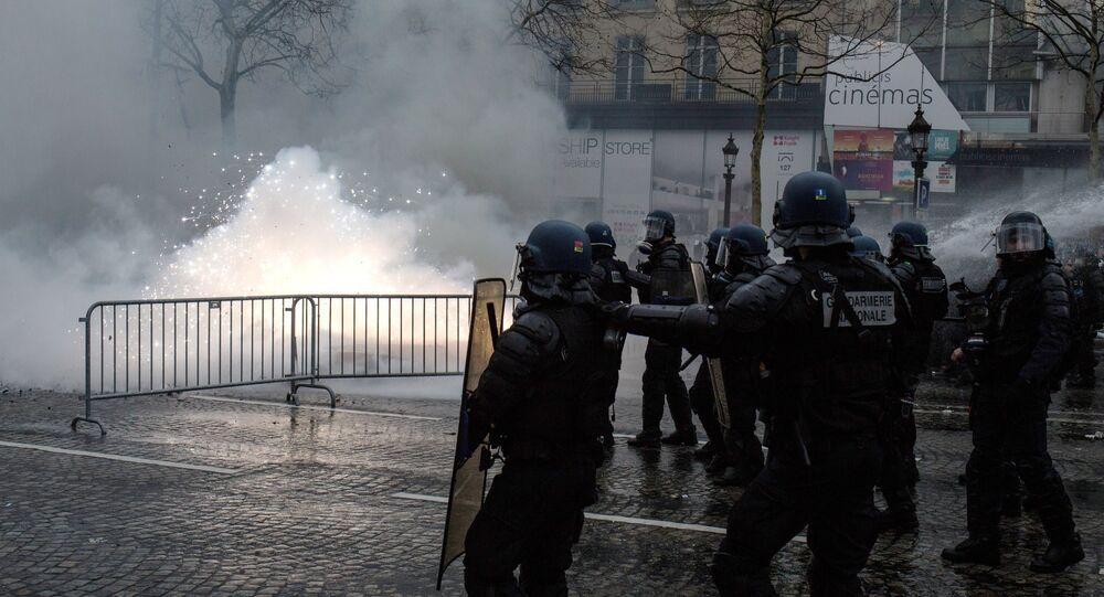 Acte 18: les Gilets jaunes défilent à Paris, le 16 mars 2019