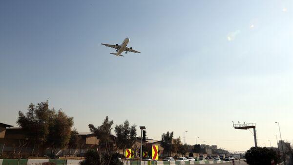 Un avion atterrit à l'aéroport de Téhéran-Mehrabad (archive photo) - Sputnik France