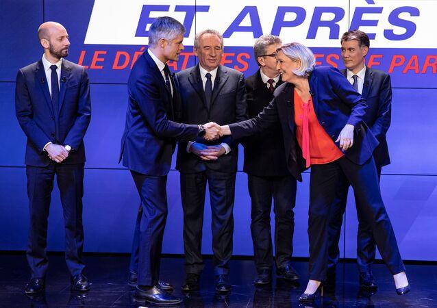 Les chefs de partis politiques lors d'un grand débat: Stanislas Guerini (LREM), Laurent Wauquiez (LR), François Bayrou (MoDem), Jean-Luc Mélenchon (LFI), Olivier Faure (PS) and Marine Le Pen (RN)