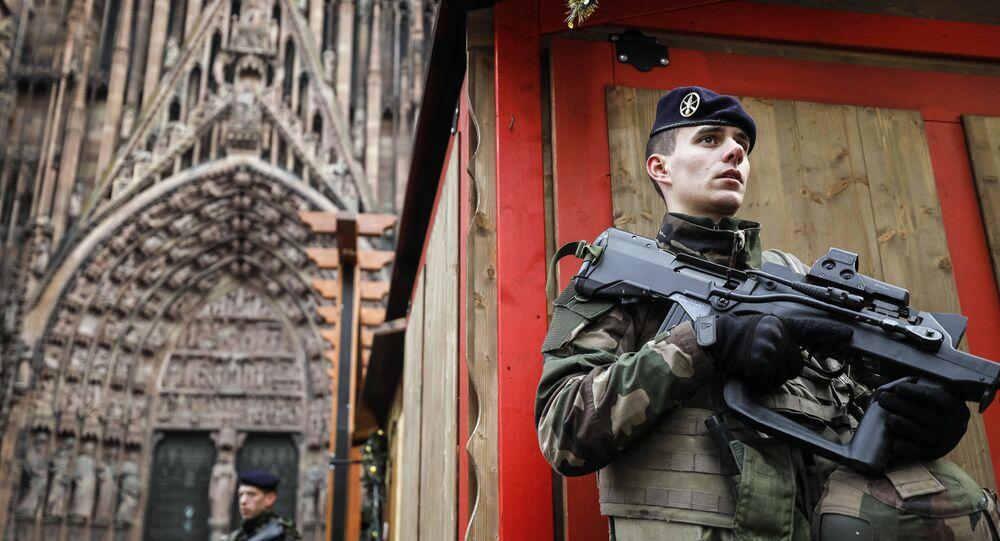 Un soldat de la mission Sentinelle