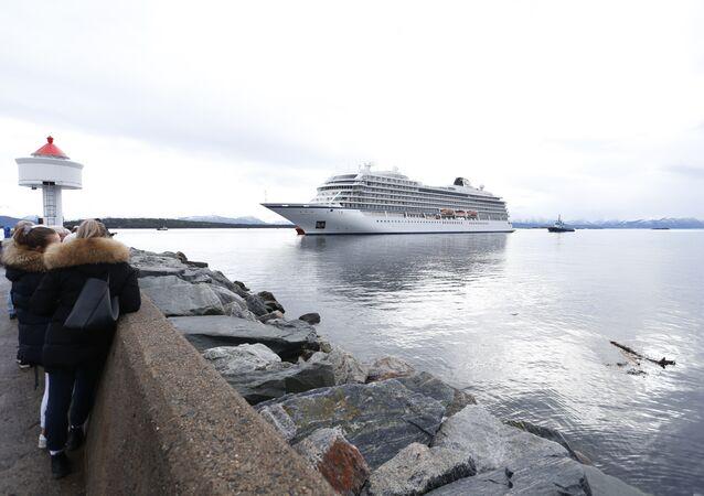 Norvège: un paquebot à la dérive remorqué jusqu'au port