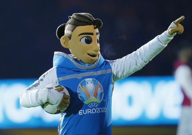 La mascotte officielle de l'Euro 2020 Skillzy