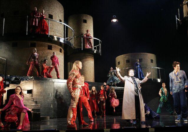 La comédie musicale Roméo et Juliette, de la haine à l'amour (archives)