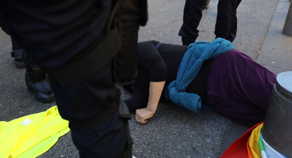 Une militante des Gilets jaunes, Geneviève Legay, blessée à Nice (23 mars 2019)