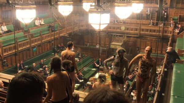 Extinction Rebellion activists strip off in House of Commons public gallery in London - Sputnik France