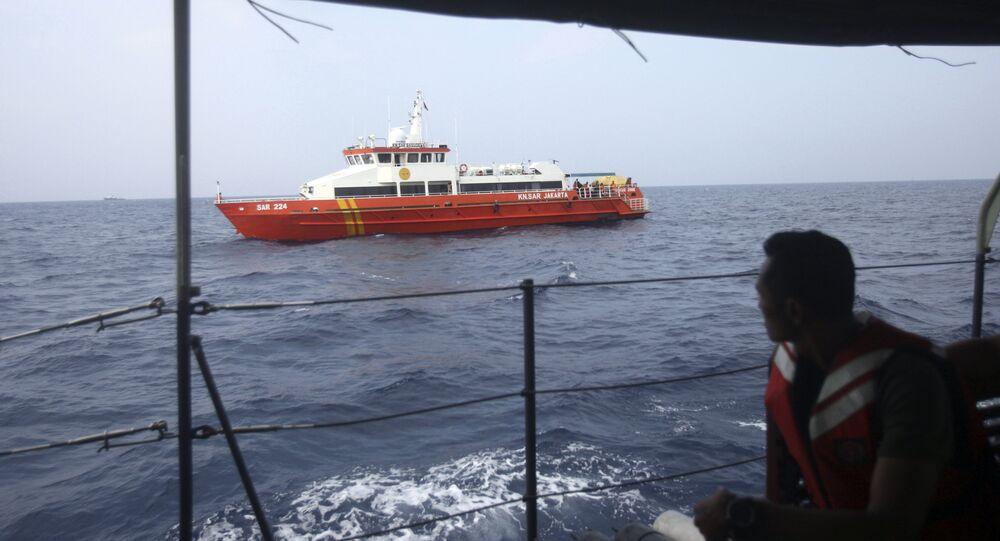 Les secouristes sur les lieux du crash d'un Boeing 737 MAX de Lion Air en Indonésie
