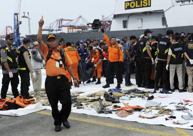 Sur les lieux du crash du Boeing indonésien de la Lion Air