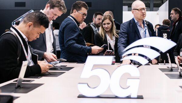 5G Stand at Mobile World Congress 2019 - Sputnik France