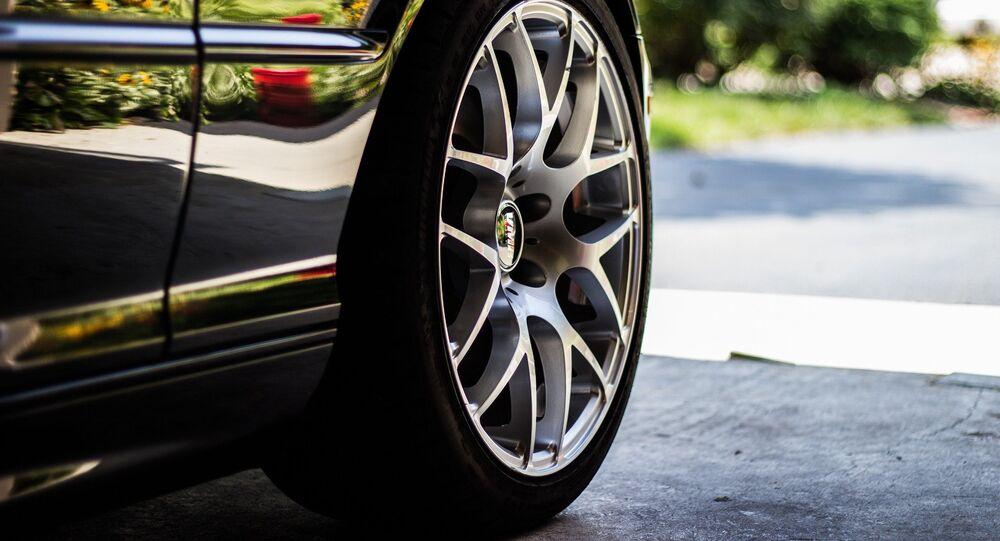 Une roue de voiture