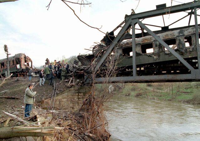 Comment les avions de l'Otan ont «par accident» détruit un train de passagers en Yougoslavie