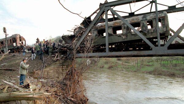 Comment les avions de l'Otan ont «par accident» détruit un train de passagers en Yougoslavie - Sputnik France
