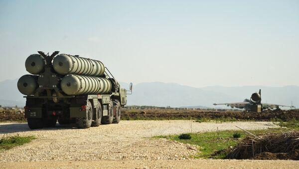 Le système S-400 dans la base russe de Hmeimim en Syrie - Sputnik France