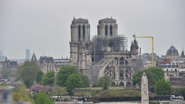 La cathédrale Notre-Dame de Paris après l'incendie, vue du toit de l'Institut du monde arabe, 16 avril 2019 - Sputnik France