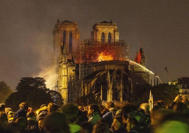 Notre-Dame de Paris lors de l'incendie du 15 avril