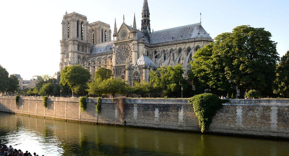 Notre-Dame de Paris (archives)