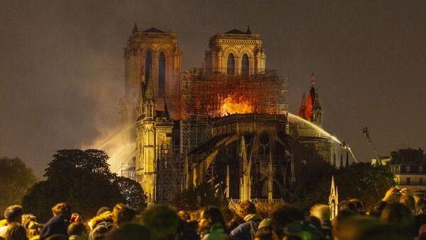 Последствия пожара в соборе Парижской Богоматери - Sputnik France