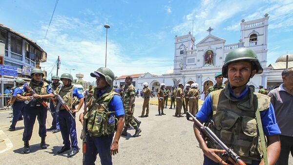 Sri Lankan Army soldiers secure the area around St. Anthony Shrine after a blast in Colombo, Sri Lanka, Sunday, April 21, 2019. - Sputnik France