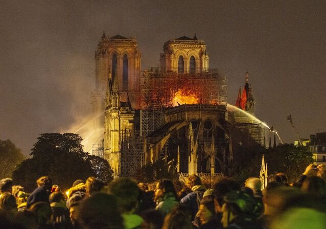 Notre-Dame en flammes