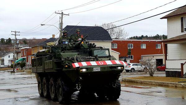 Un char d'assaut de l'armée canadienne dans les rues de Sainte-Marie, au Québec. - Sputnik France