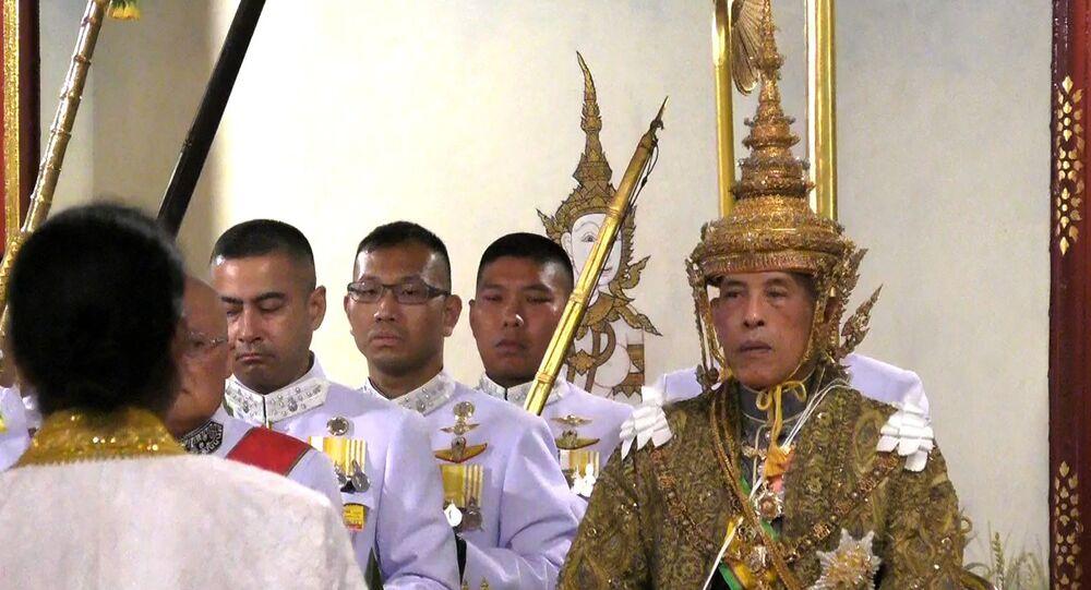 couronnement du roi Maha Vajiralongkorn