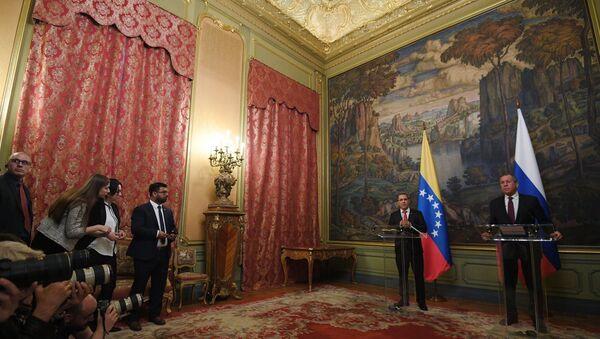 le chef de la diplomatie vénézuélienne Jorge Arreaza et son homologue russe Sergueï Lavrov - Sputnik France