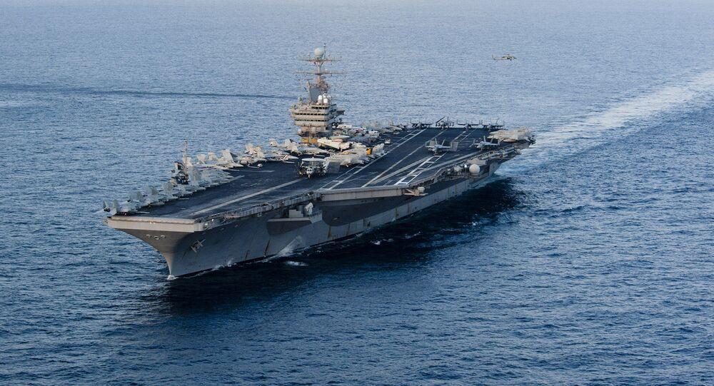 Porte-avions USS Abraham Lincoln