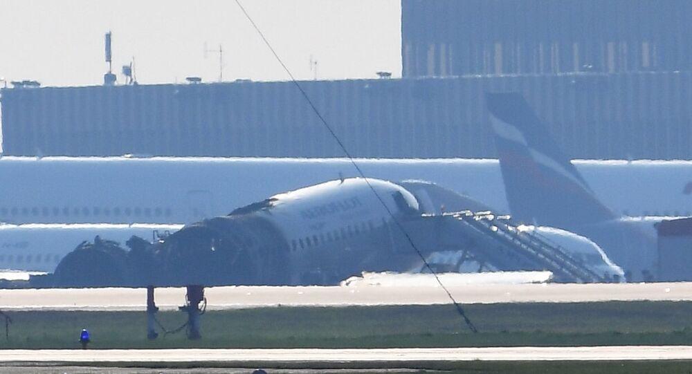 Un Sukhoi Superjet 100 a pris feu à l'aéroport de Moscou-Cheremetievo, 5 mai 2019