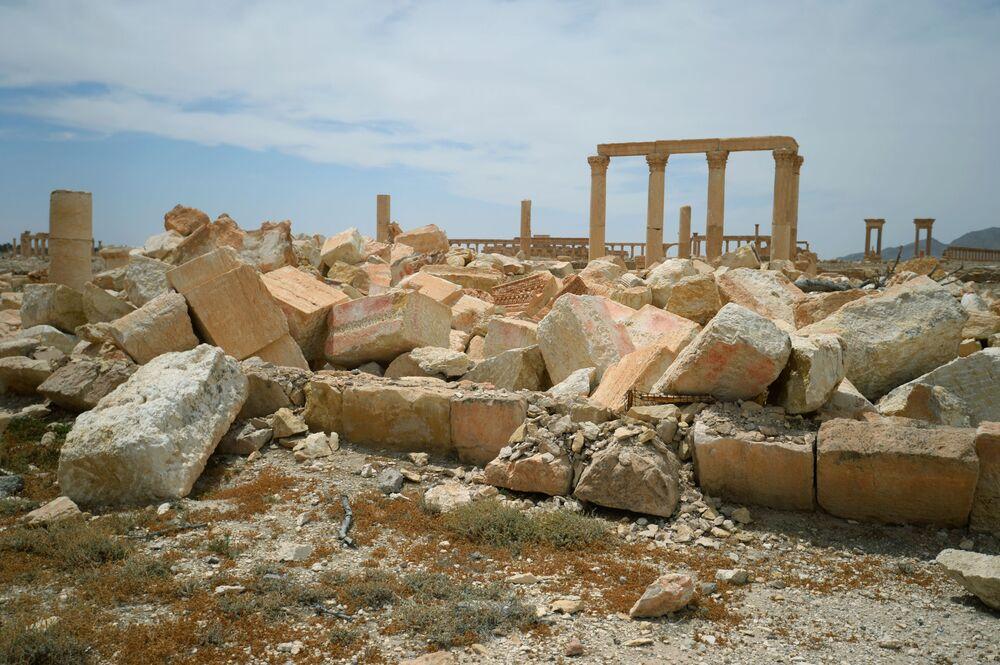 Monuments et sites naturels disparus