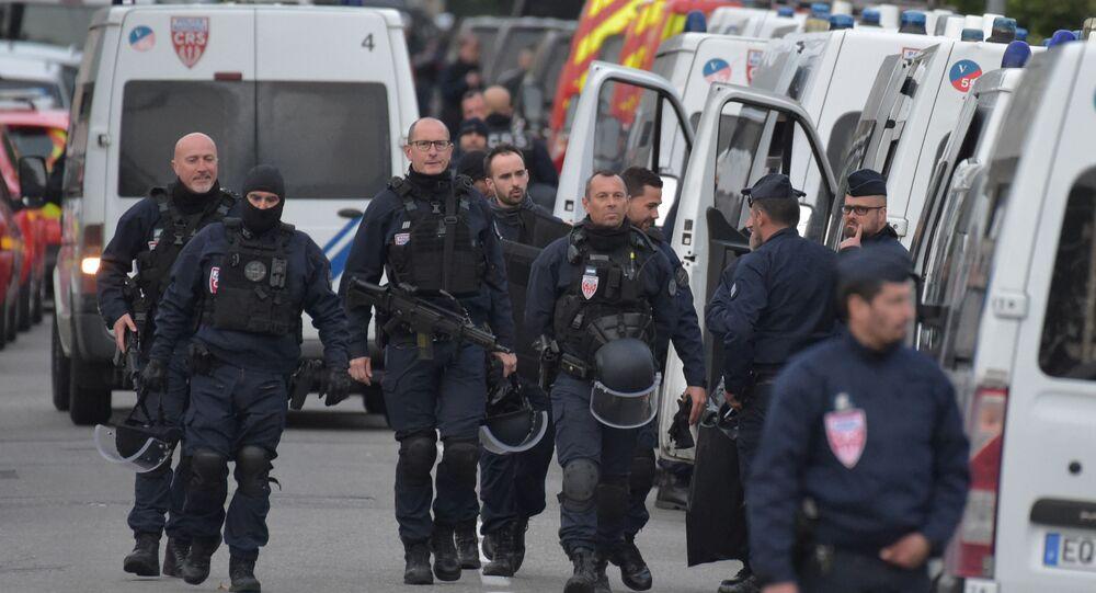La police à Blagnac où un individu a pris des otages