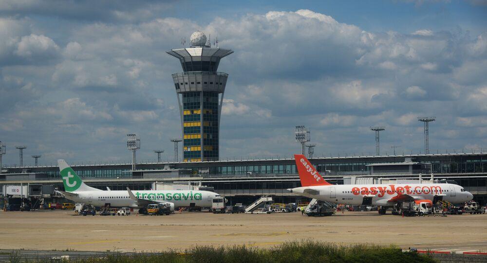 Un avion de Transavia à l'aéroport d'Orly à Paris