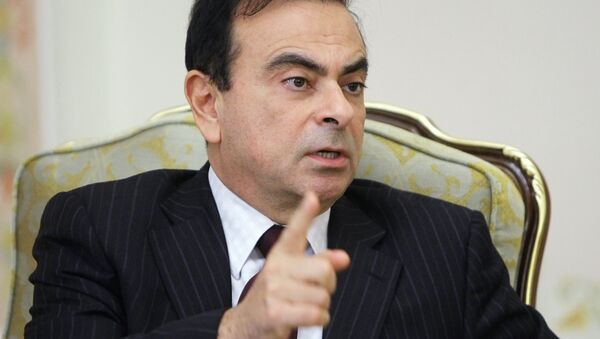 Renault-Nissan President Carlos Ghosn, pictured, in Novo-Ogaryovo meeting with Russian Prime Minister Vladimir Putin - Sputnik France