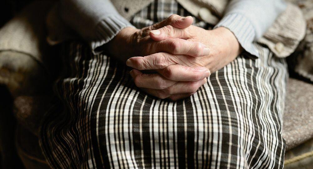 Elle cherche sa mère depuis 60 ans et la retrouve en vie la veille de ses 104 ans