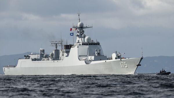 un destroyer de classe 052D de la Marine chinoise - Sputnik France