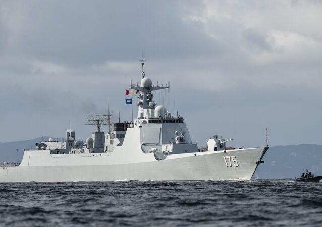 un destroyer de classe 052D de la Marine chinoise