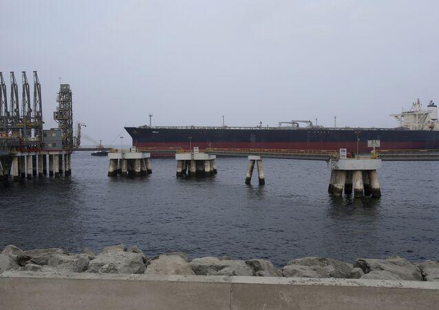 un pétrolier non loin du port de Fujaïrah