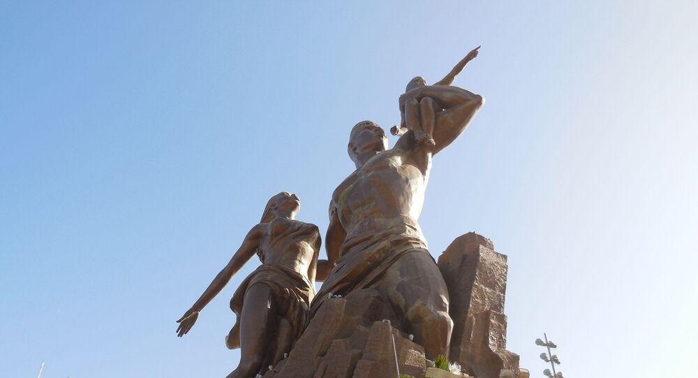Statue du Monument de la Renaissance Africaine à Dakar