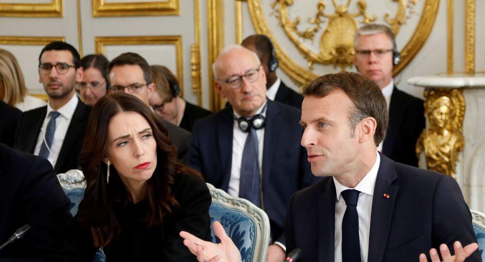 Emmanuel Macron et la chef du gouvernement néo-zélandaise, Jacinda Ardern, avant le lancement de «l'appel de Christchurch»