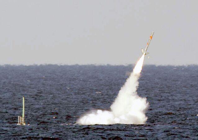 Tir de missiles depuis le sous-marin USS Florida