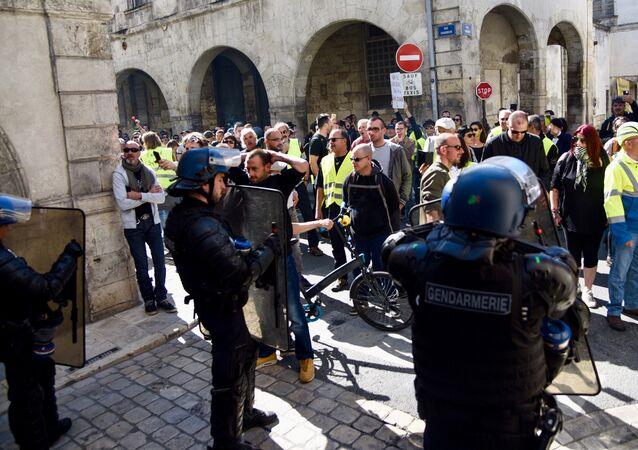 Gilets jaunes à La Rochelle, image d'illustration