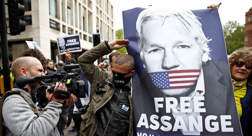 Une manifestation de soutien à Julian Assange à Londres